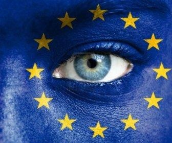16523616-human-face-painted-with-flag-of-european-union