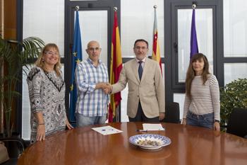 Signatura conveni UJI amb Instituto Paulo Freire