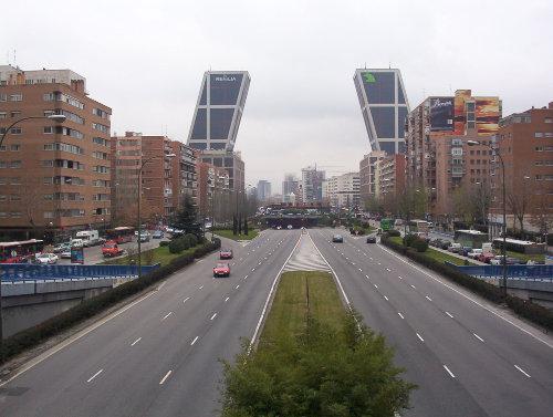 Paseo_de_la_Castellana_(Madrid)_01