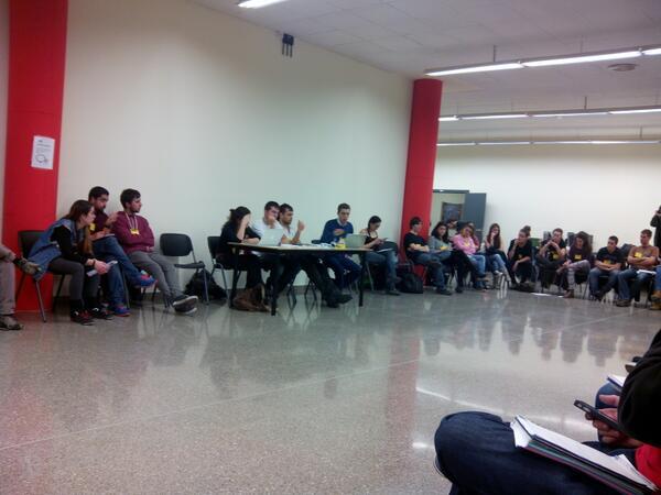 primera taula debat la funció social de la universitat