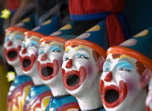 ceramic-clowns-6697089