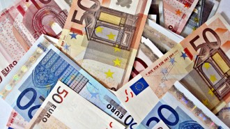 pile-of-euro-notes_0