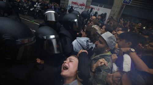 Pro-referendum-the-to-Catalan-Spain_EDIIMA20171001_0120_20